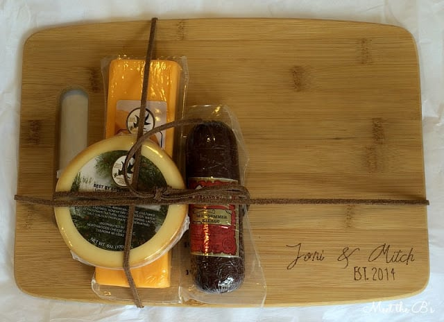 10 diy gifts that you can make in under one hour for Diy personalized wood cutting board