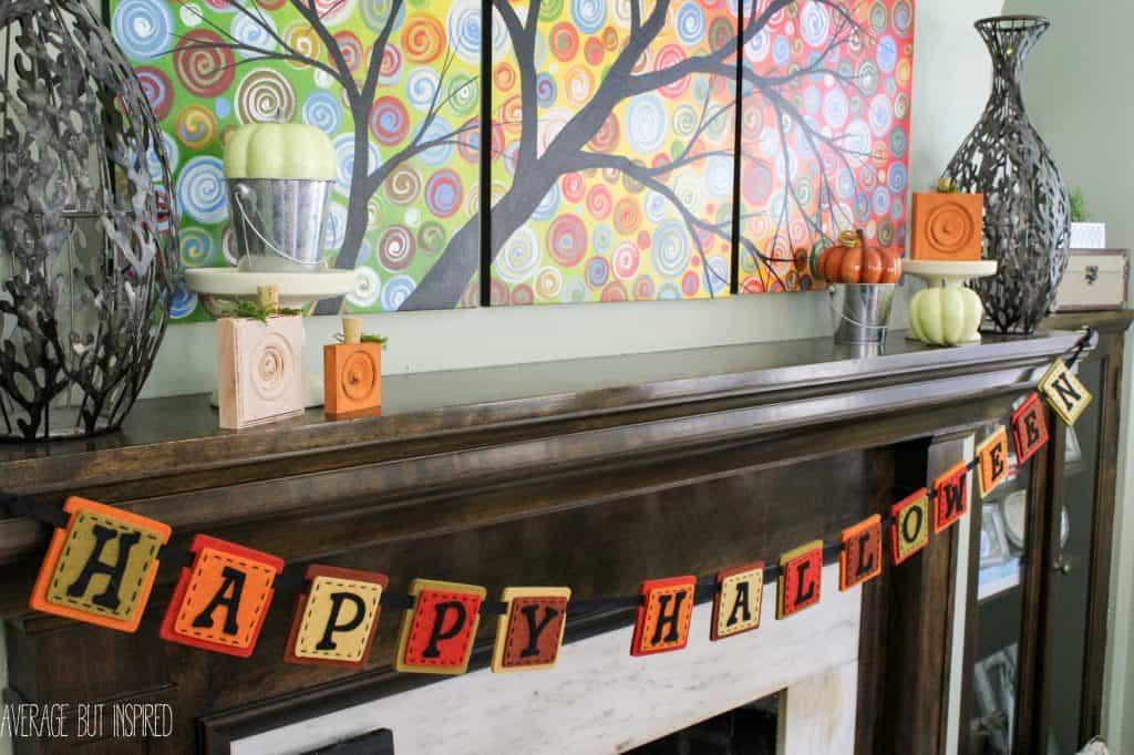 As part of the Fall-oween home tour, Average But Inspired takes you on a tour of her home decked out for fall and Halloween.