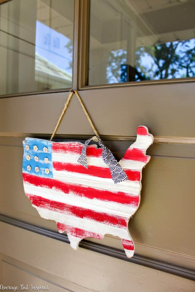 Show your patriotism with this cute USA Wooden Flag Map Door Hanger project! It's an easy DIY that's perfect for the Fourth of July.